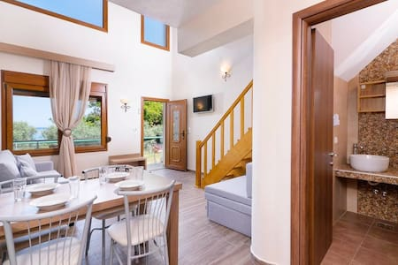 ♥Maisonette by the beach ♥ 1 min away from the sea