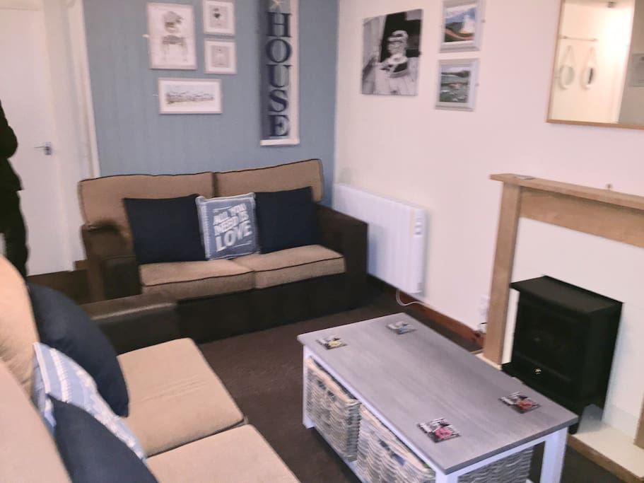 Lounge area with 2 comfortable sofas