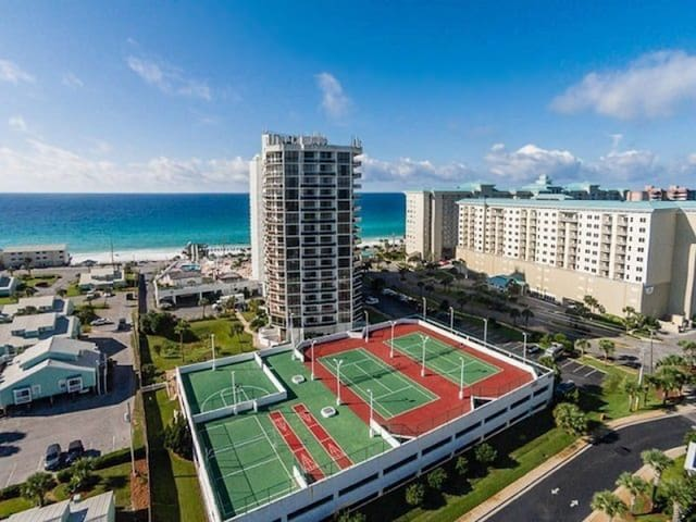 Tennis Courts at Surfside