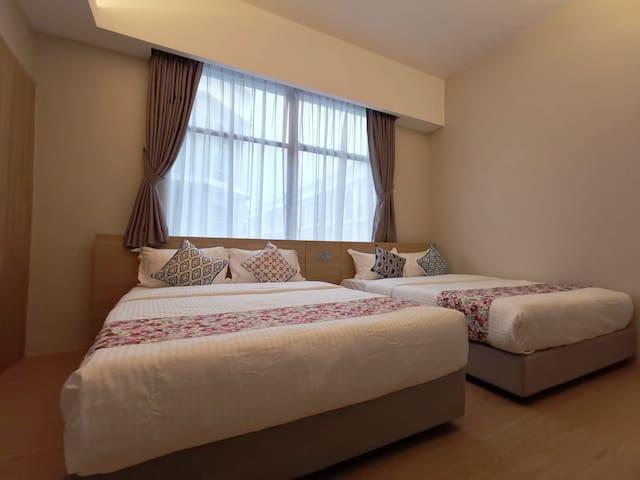 OIKOS @ IMAGO - Family En-suite King Room [4pax]
