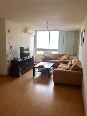 Great apt w/ fantastic vibes only 20 min from TLV