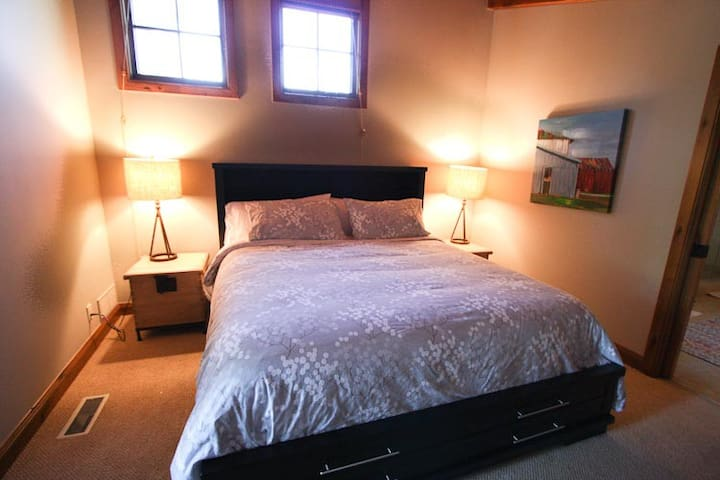 Master suite #1 with King bed