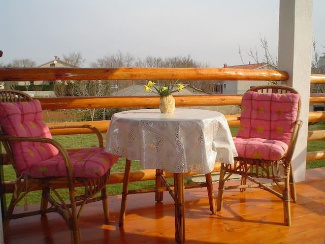 Apartmani Udovičić Tinjan - Tinjan - Lägenhet