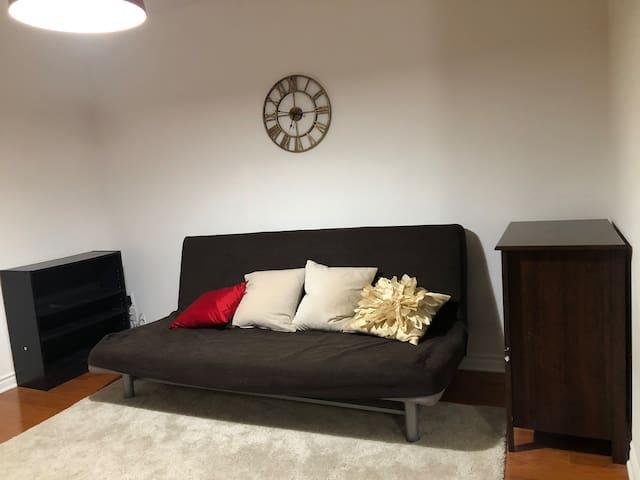 1 bedroom + indoor parking in Ville St-Laurent
