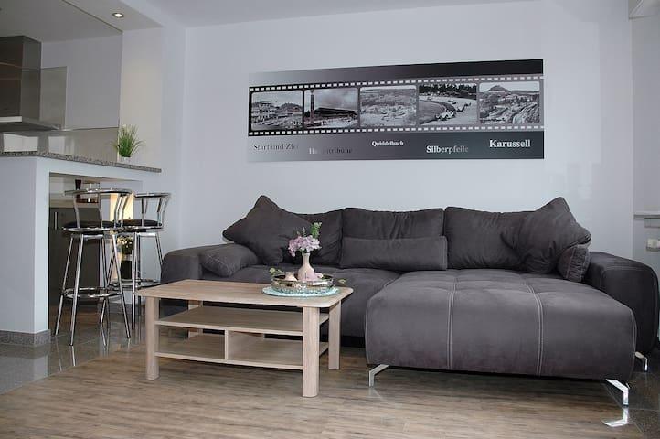 Wohnzimmer -Schlafcouch-