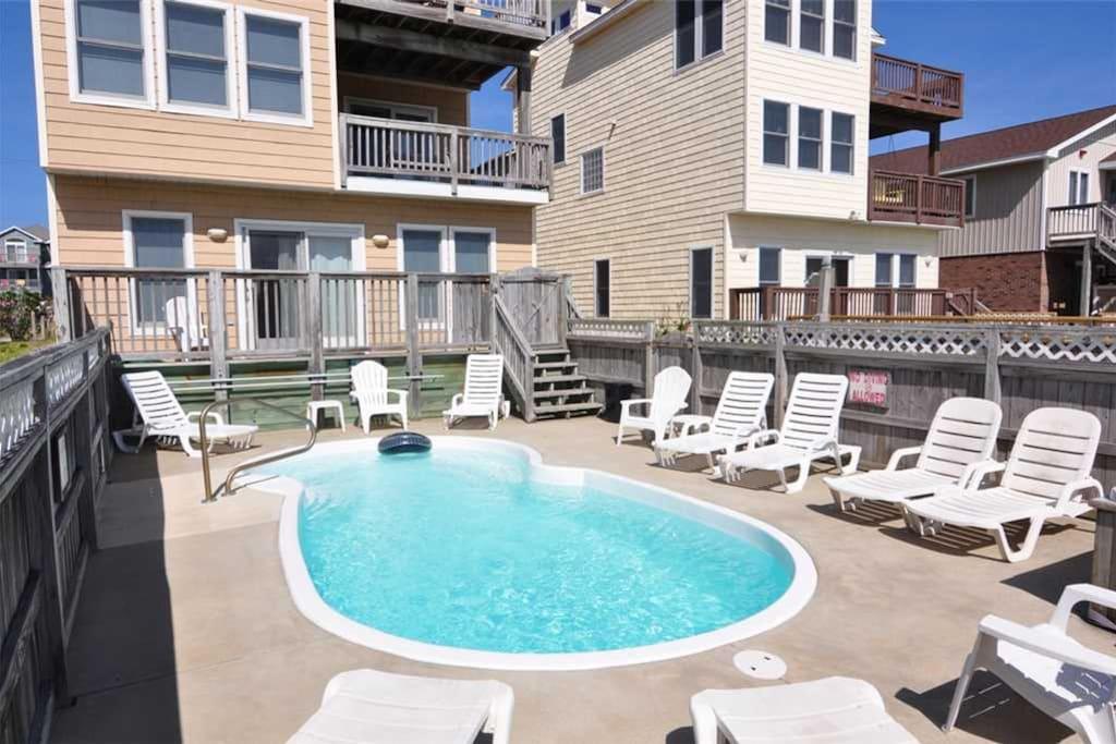 NH14: Seatopia | Pool Area