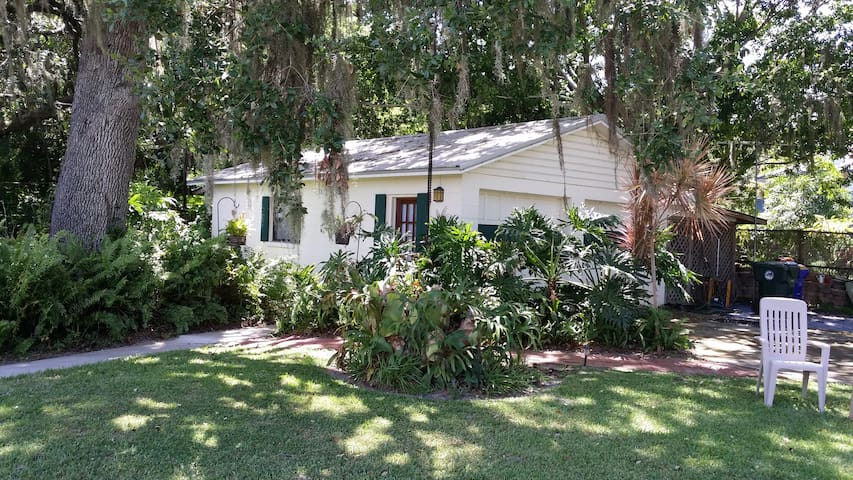 Cottage on Beautiful Indian River! Space Coast, FL