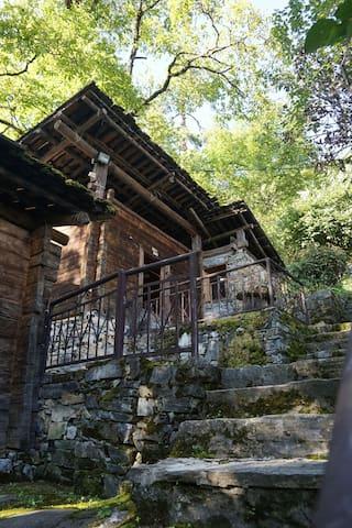 白马雪山傈僳族传统文化保护与体验中心