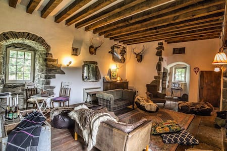 Rustic Scottish Castle Surrounded By History - Kilmartin - Slot