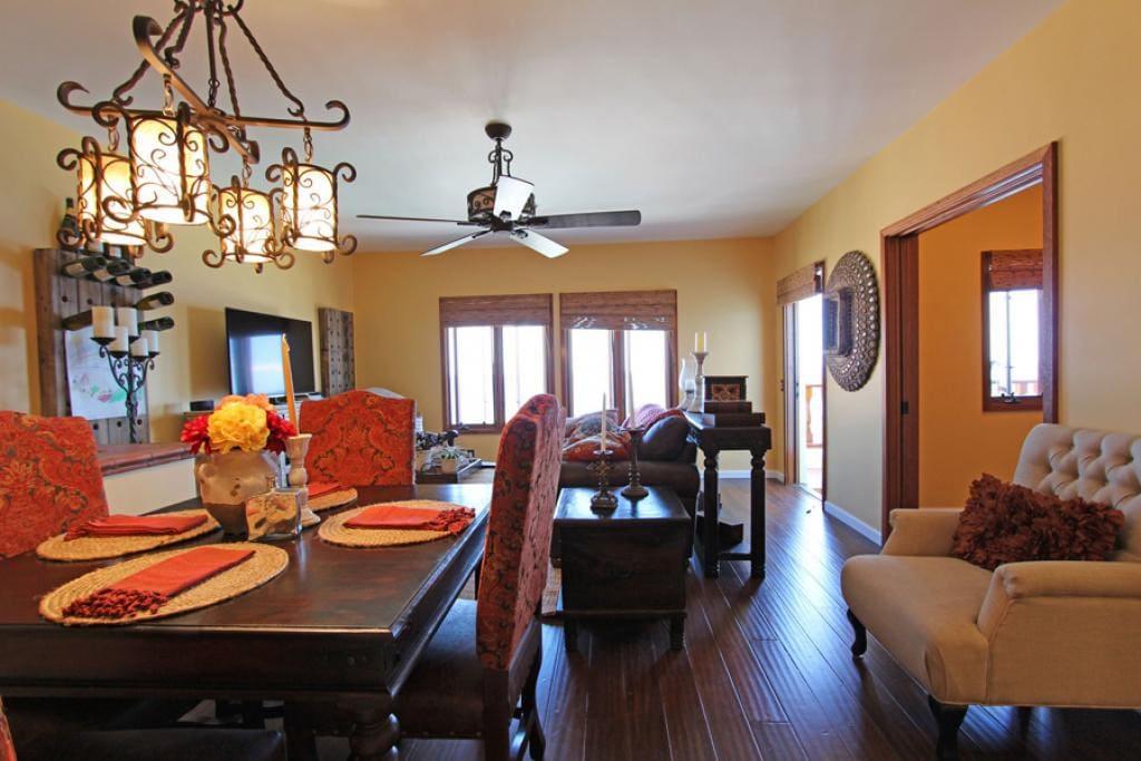 3-Hamilton Cove Villa 1-53_dining area to living area (11)