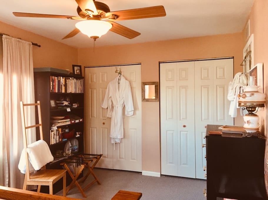 Your guest room offers spa robes & slippers; Chicago travel books; maps & information; and umbrellas. An iron and ironing board are provided. A yoga mat & blocks are also available for your use. Other amenities include bottled water & snacks. Coffee, tea, and fruit are offered in the kitchen.