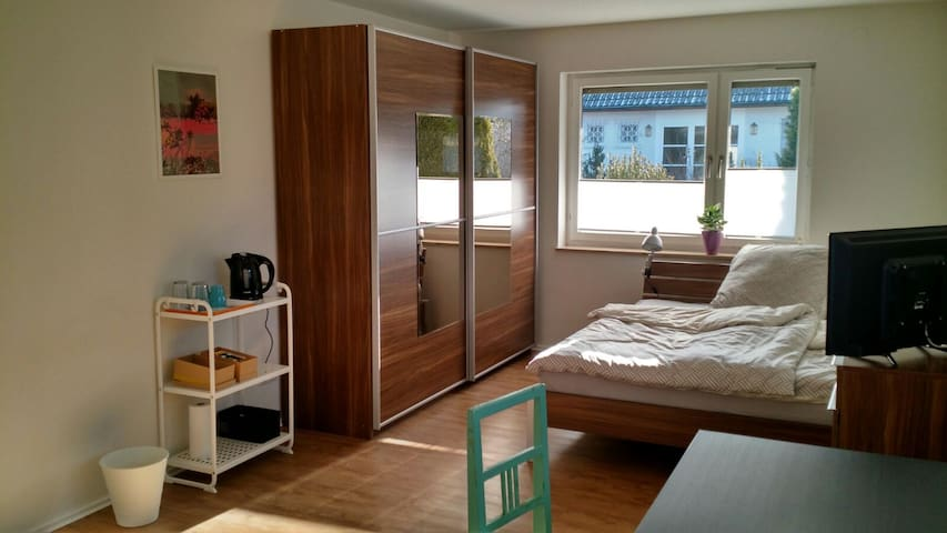Sunny apartment close to convention center - Nürnberg - Lejlighed