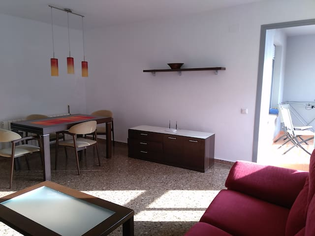 FLAT WITH 4 BEDS 2 COUCH - Castelló de la Plana