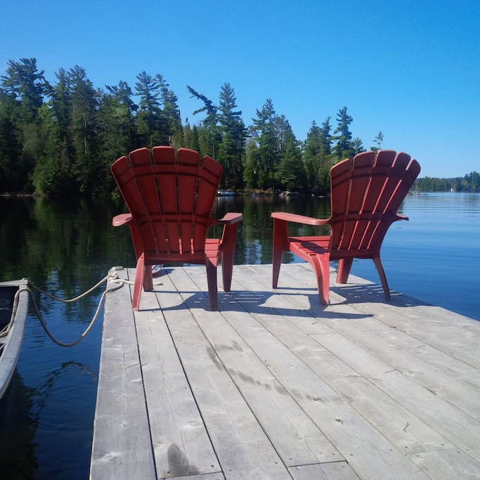 A peaceful morning on the dock