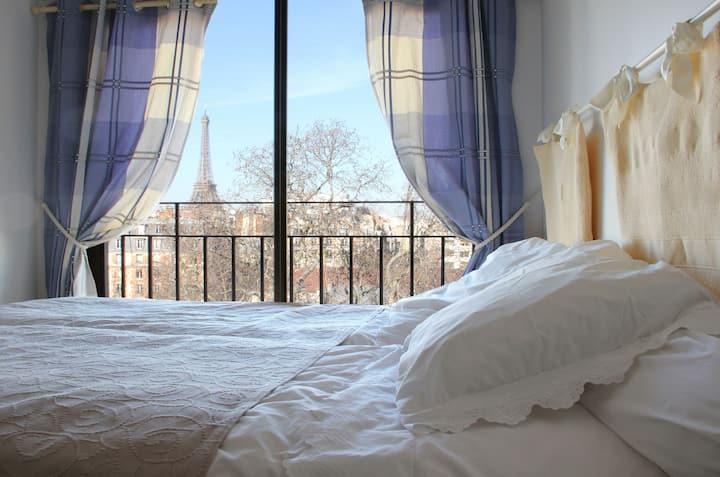 Chambre privée avec vue Tour Eiffel