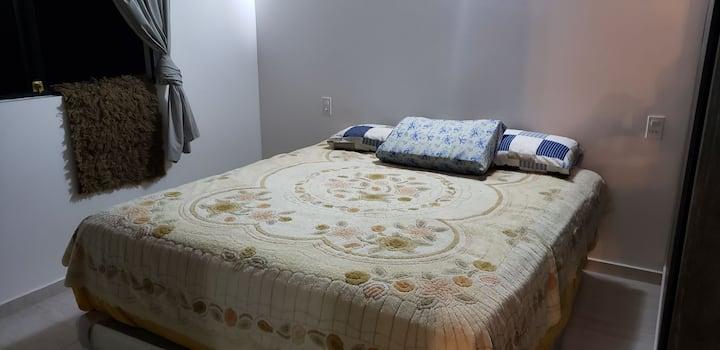 Dormitorio agradable, comodo  y super tranquilo.