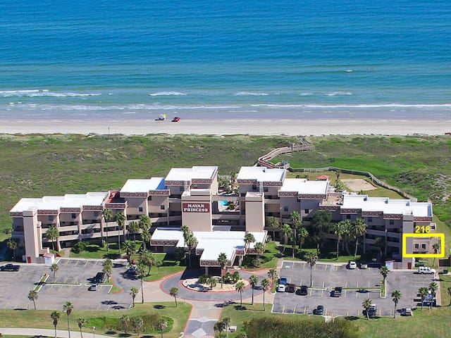 Gulf View Condo steps from the beach. Sleeps 6.
