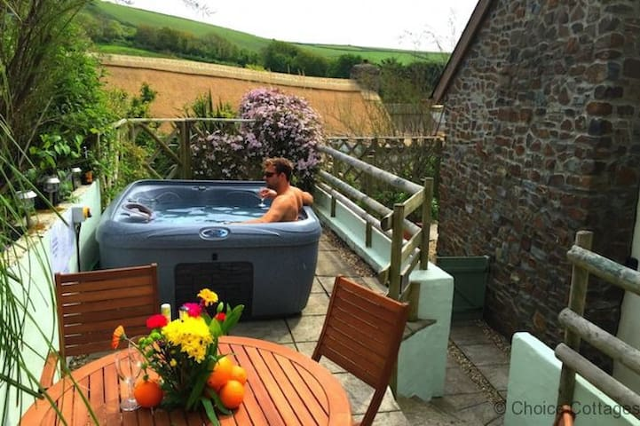 CROYDE THATCHERS HIDEAWAY | 2 Bedrooms - Croyde - Haus