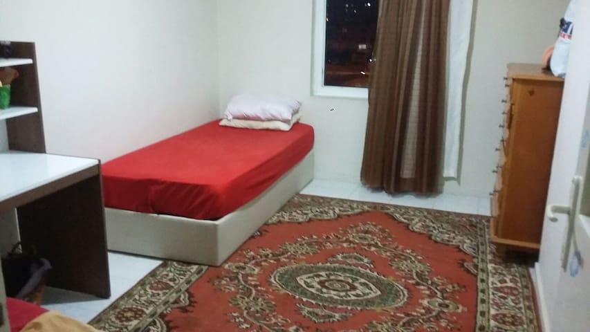 Rahat bir evde rahat bir oda!