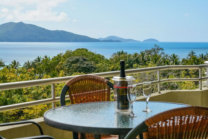 Poinciana 107, great views, plus buggy included. - Whitsundays - Apartment