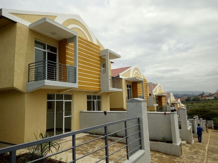 Bright and Charming Townhouse in Nyaruturama