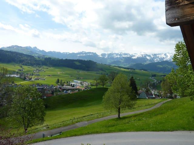 Traumsicht im Appenzellerland - der Alpstein lockt - Gais