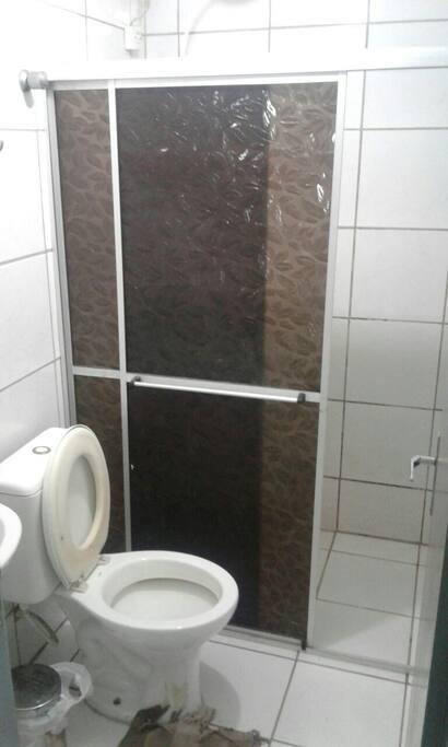 Banheiro social..