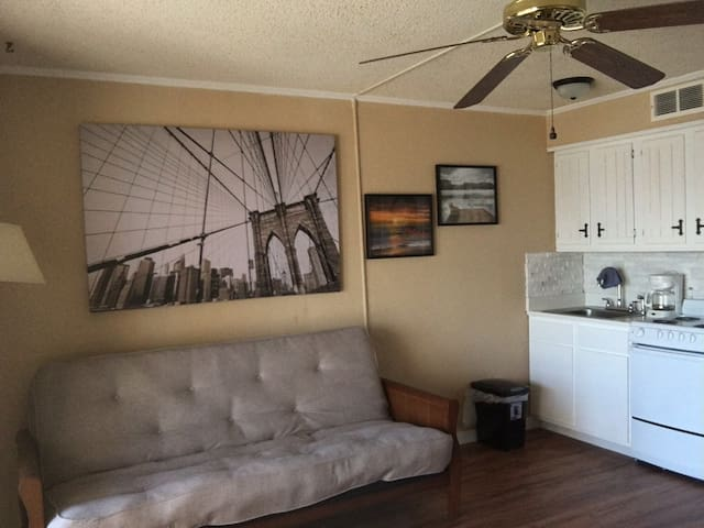 2312 Furnished Beach Front Condo W/Kitchenette - Corpus Christi