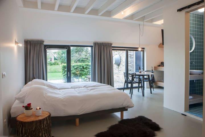 B&B Uitgerust voor zaken - Heerenveen - Bed & Breakfast