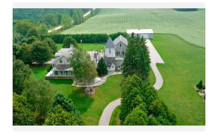 One of a kind Magic Country Home - 2hrs from T.O.