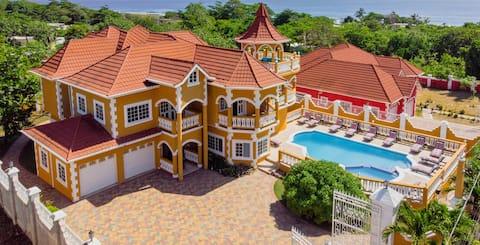 The Palms at Galinia *Luxury Rental* Full Staff