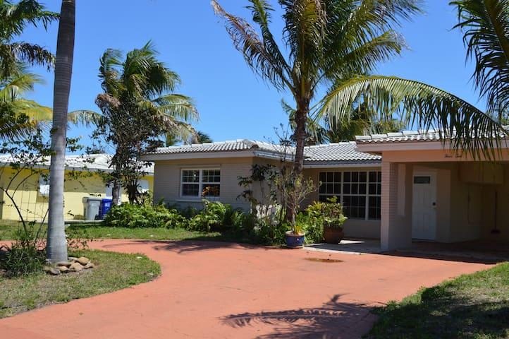 Coconut Palms - Pompano Beach - House