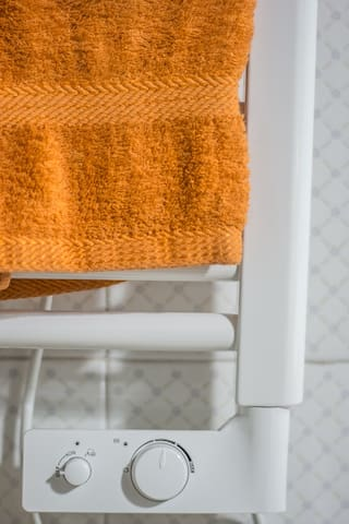 Scalda salviette, nel bagno troverete, oltre la normale dotazione di asciugamani, anche due teli spugna per la spiaggia