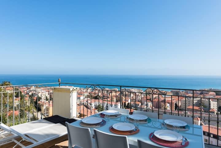 Villa d'époque vue mer superbe, plage à   9 mins