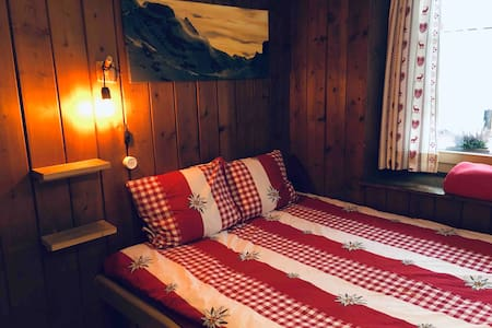 cozy STUDIO with stunning view in car-free Mürren