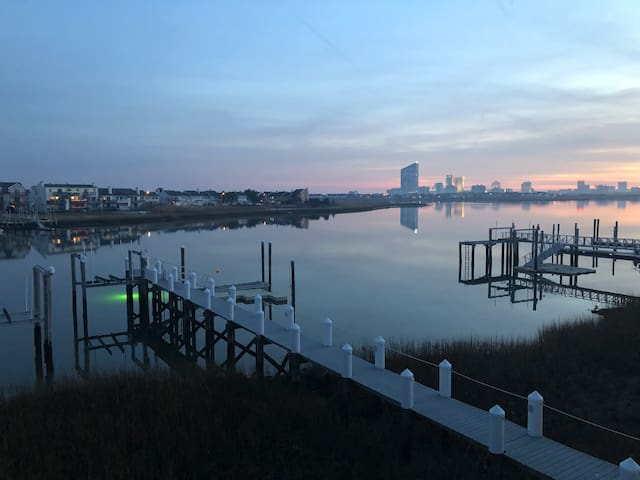 Spectacular Brigantine Waterfront Home Close To AC