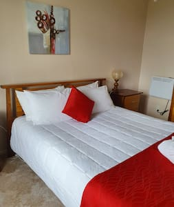 Deluxe Queen Room. Can add extra single bed if required