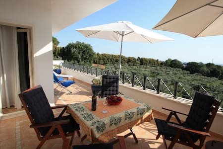 "Holiday apartment ""MELOGRANO"", with sea view - Genzano di Roma"