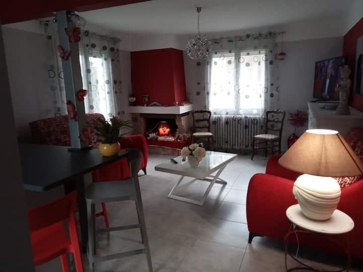 Maison Entière à Labégude , au Bord de l'Ardèche