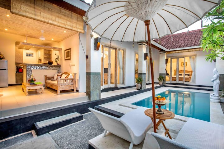 Bens Kenanga Villa 3 Bedroom Private Pool Kuta