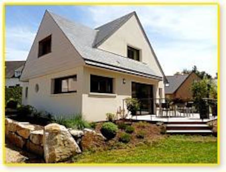 maison d 39 architecte 200m de la mer huizen te huur in tr vou tr guignec bretagne frankrijk. Black Bedroom Furniture Sets. Home Design Ideas