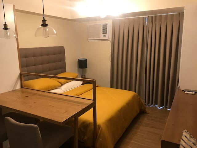 Comfortable Studio Unit across Ayala Center Cebu