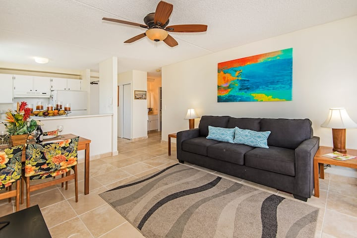 *Professionally Sanitized*Updated Royal Kuhio Condo Full Kitchen+Free Parking - Royal Kuhio City 1 BDR on the 12th Floor B