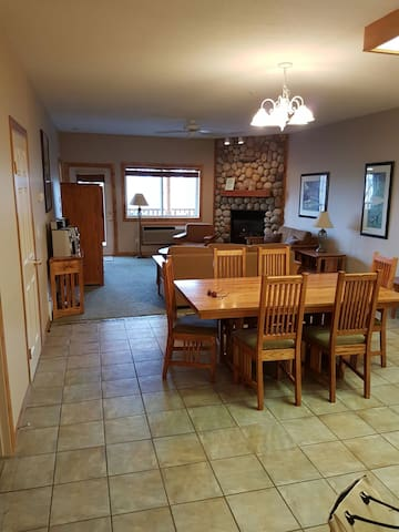 Amazing 3-Bedrm Ski in/ Ski Out/ Golf Condo! - Kimberley - Daire