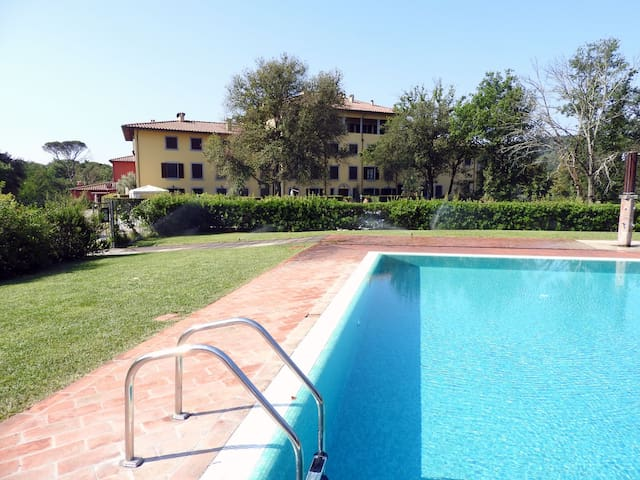 Lovely apartment in a restored Tuscan villa - Montelupo Fiorentino - Apartment