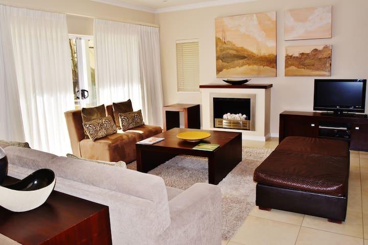 Lake Pleasant  Living self-catering accomodation - Sedgefield - Apartment