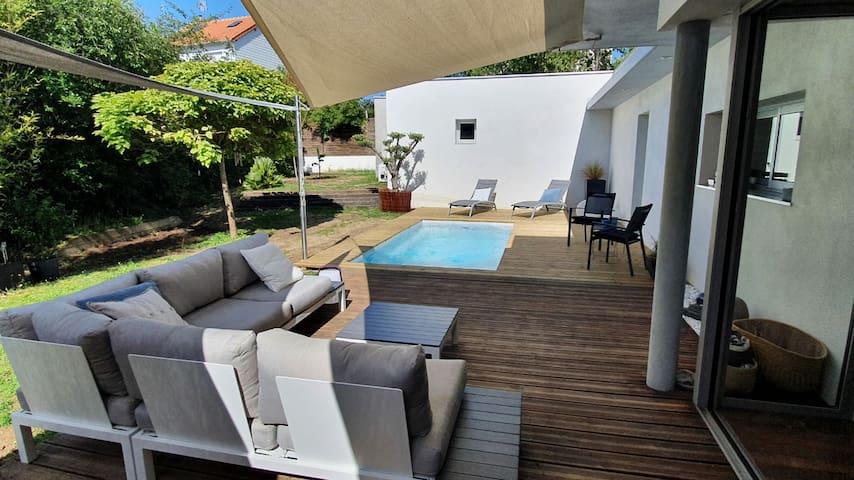 Maison d'architecte & piscine chauffée à Tours sud