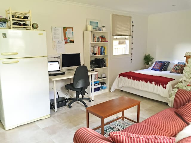 Comfy Studio in Sydney's South - Jannali - Huis