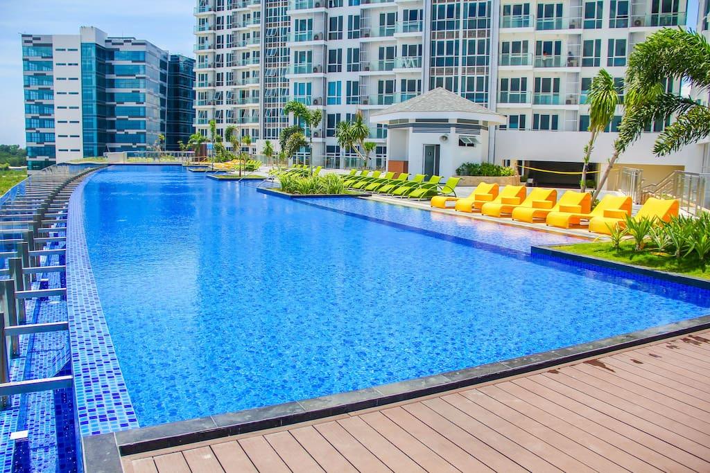 60m infinity swimming pool