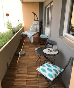 Wunderschöne Wohnung in parkähnlicher Lage - 3 Per
